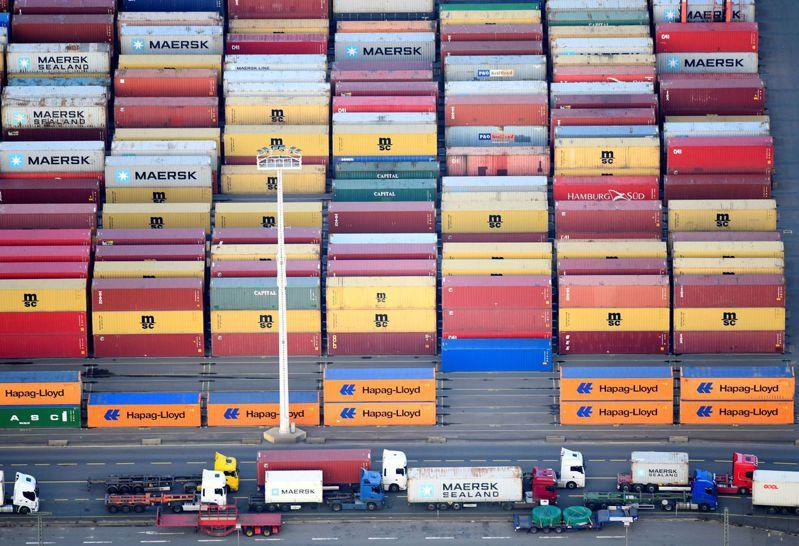 美國聯邦海事委員會(FMC)計劃對馬士基、赫伯羅特等九大貨櫃輪公司進行審計,以查明這些業者是否利用其市場實力向託運者超收滯留費和延滯費。路透