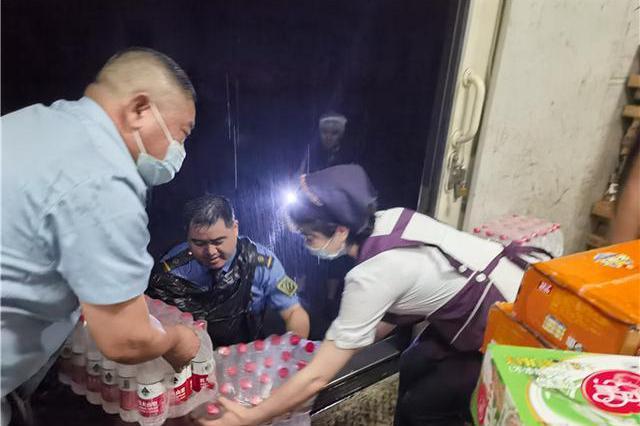 陸河南暴雨 鄭州多輛列車行徑途中停駛或乘客失聯
