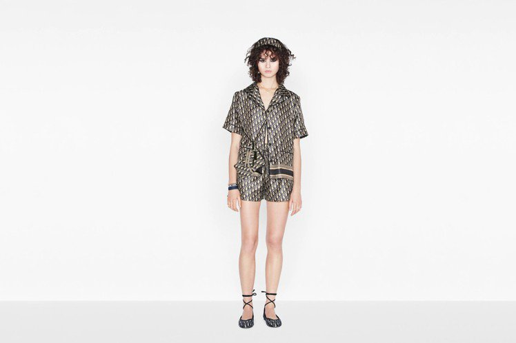 與木村心美類似款的DIOR Chez Moi系列短袖家居服,上衣2,700美元、...