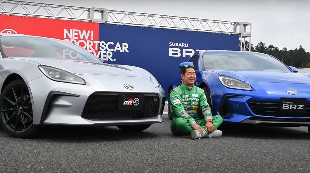 甩尾王土屋圭市體驗全新Toyota GR 86 & Subaru BRZ。 摘自...