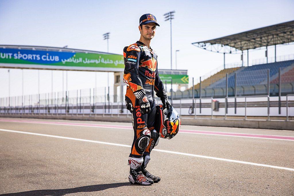 Dani Pedrosa過往曾以125cc的成績贏得了世界冠軍並以250cc的成...