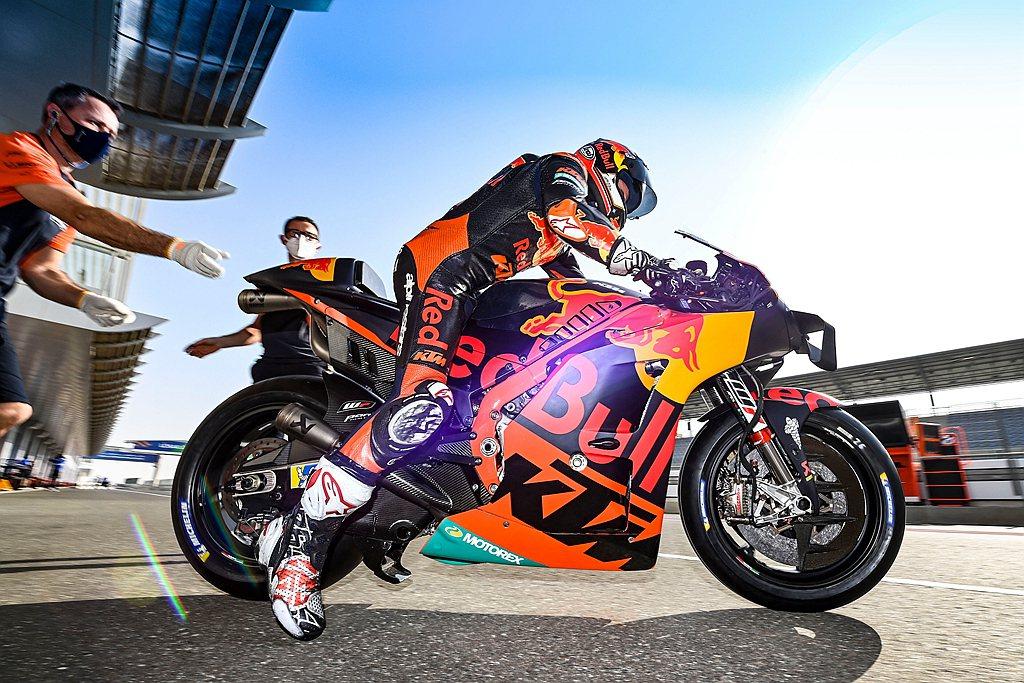 Dani Pedrosa表示:「我從一開始就在MotoGP與KTM參與這項開發,...