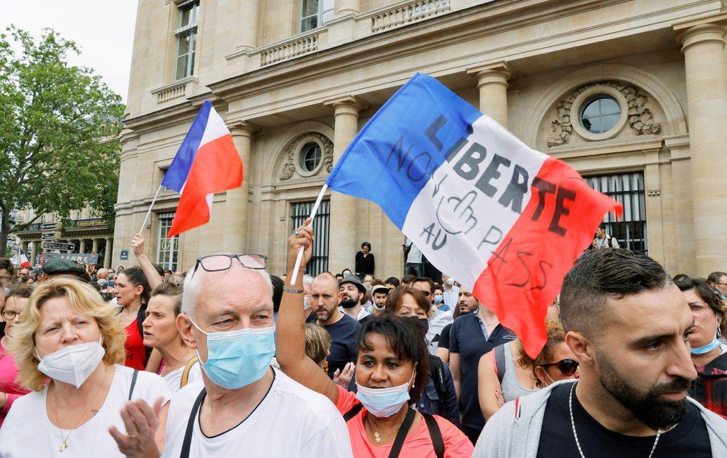 史丹利舉例說明,如果我們相信「法國人不可靠」,多半就會因此拒絕與法國人來往;但拒絕與法國人來往,就會妨礙我們認識法國人,難以獲得證據來推翻這個錯誤信念。示意圖。 圖/路透社