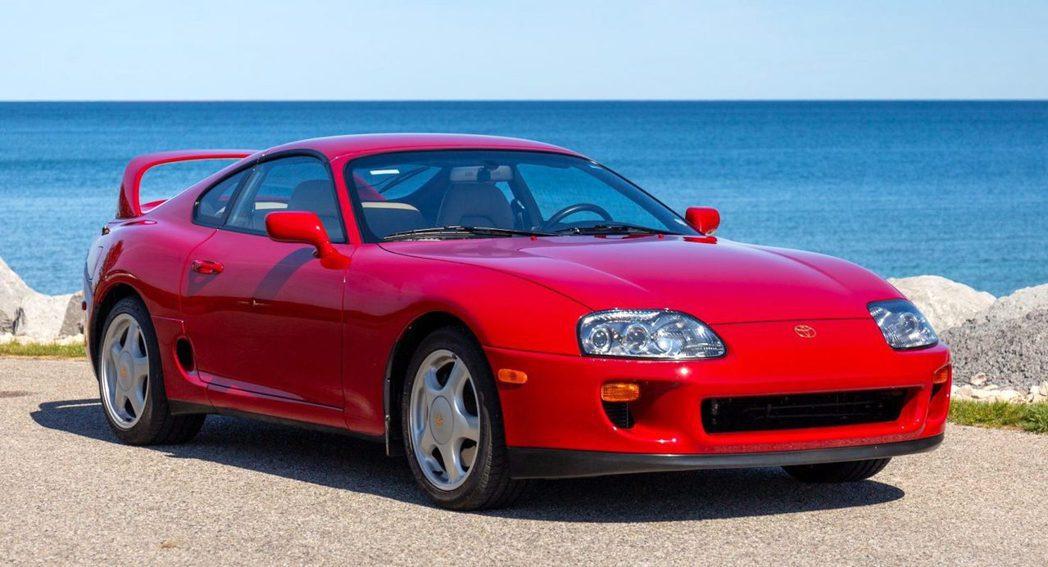 1995 Toyota Supra。 摘自Bring-a Trailer