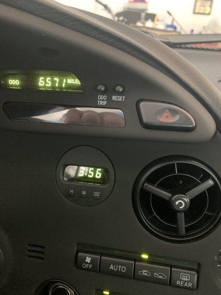 1995 Toyota Supra里程數僅6,571英里。 摘自Bring-a ...