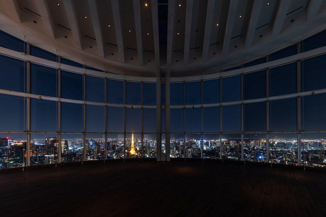 六本木之丘森大廈展望台Tokyo City View,具備 11 公尺高的全景玻...