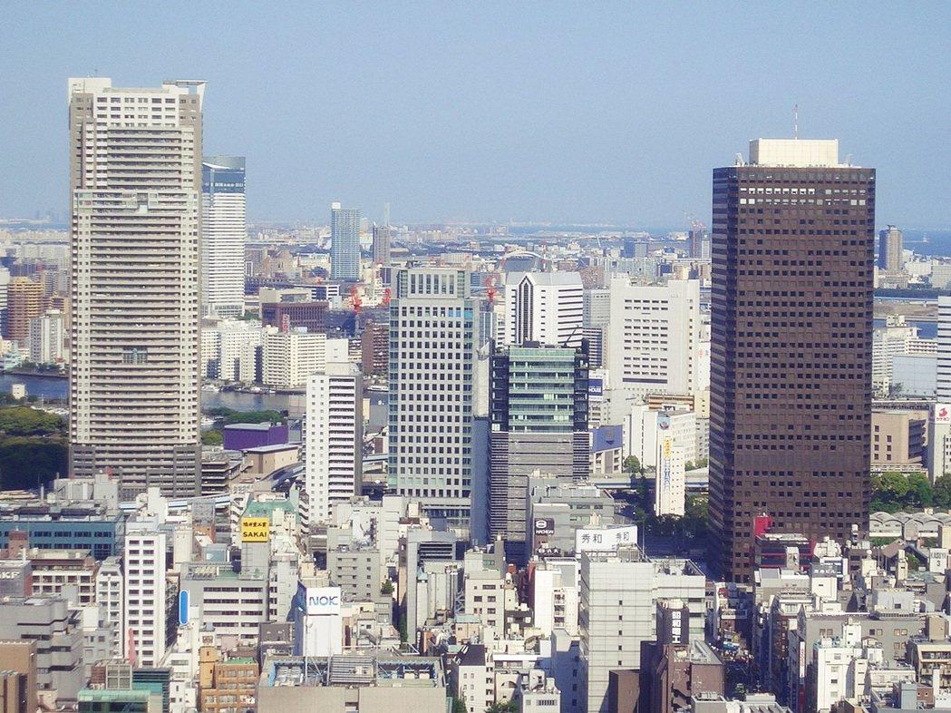 港區濱松町的東京世貿中心及周邊,曾經是東京的都心象徵,已在今年2021閉館、預計...