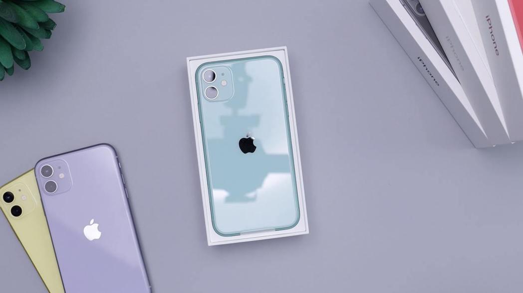 幫爸爸換機前先確認當前若使用6吋以上手機,就選擇iPhone 12(128G)現...