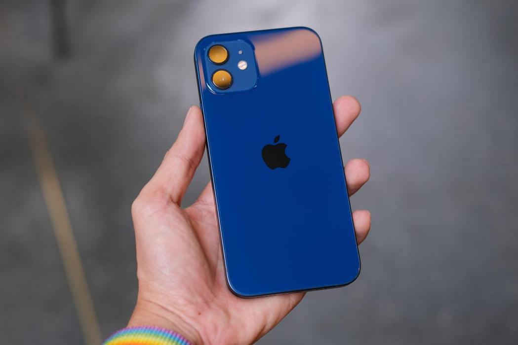 若尚無5G使用需求的爸爸,入手iPhone 11(128G)還能再省2,210元...