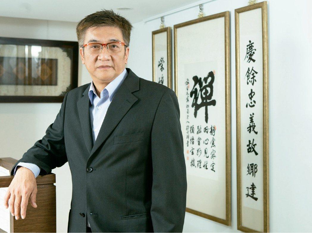慶嶸建設總經理張仲可表示,在建築領域中,一直秉持著「百年建築、永恆思維」為所有購...