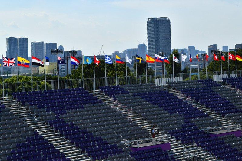 延後一年才舉辦的東京奧運,仍然沒能擺脫新冠疫情的打擊。 路透社