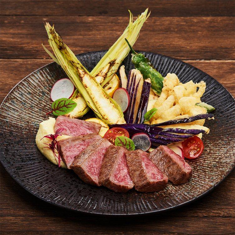 日本秋田黑毛和牛排飯,原價1,580,優惠價790元。圖/樂雅樂提供