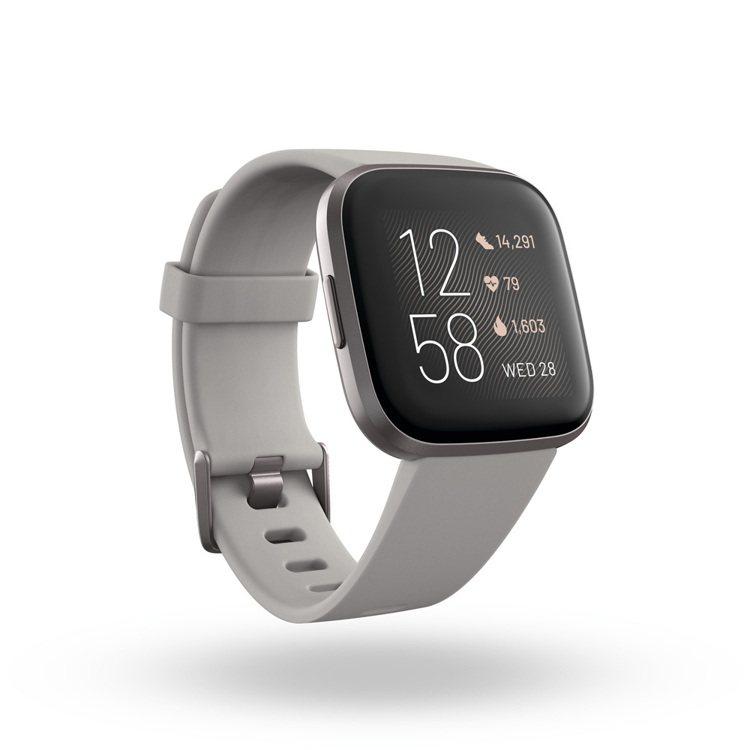 Fitbit Versa 2具備語音訊息回覆與Find My Phone功能,原...