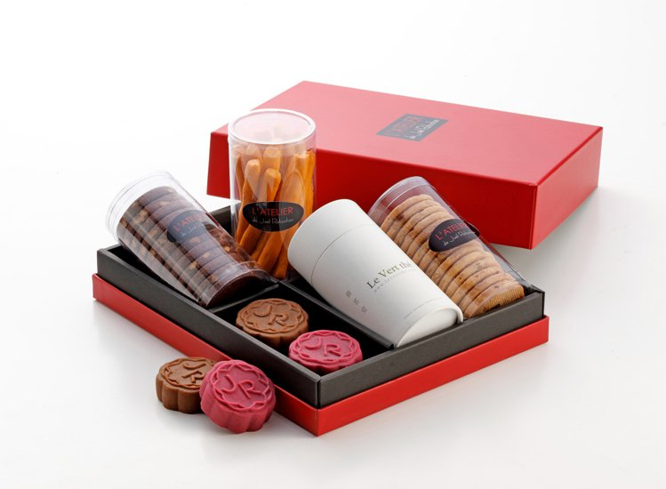 侯布雄典藏禮盒1,680元。圖/侯布雄法式茶點沙龍提供。