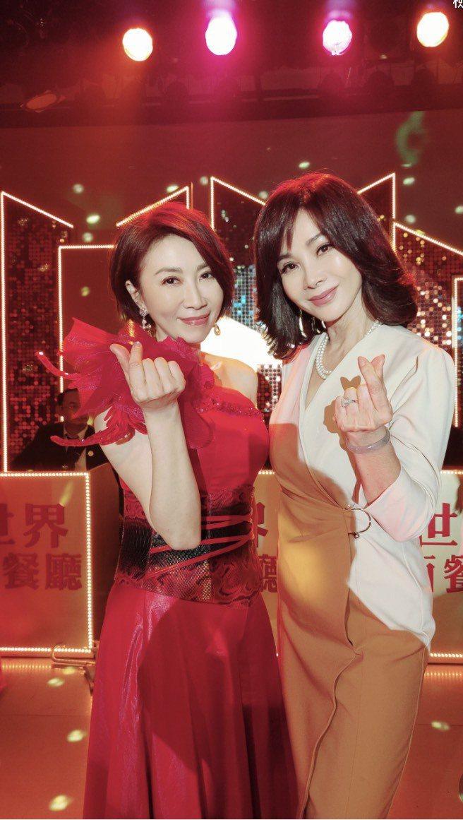 陳美鳳(右)、李翊君當年秀場沒碰到,沒想到在「黃金歲月」搭到戲。圖/民視提供
