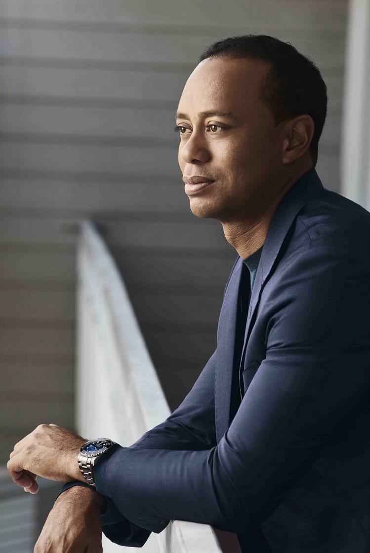 勞力士代言人Tiger Woods曾贏得15場大賽勝利,其中便包含2000、20...
