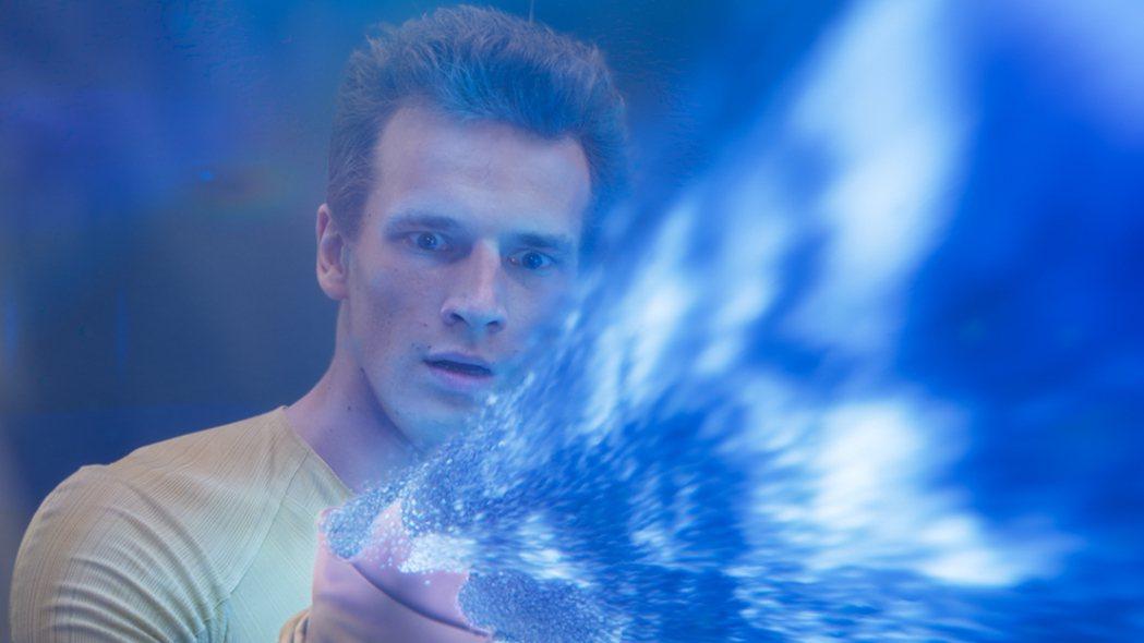《宇宙特攻隊》葉夫根尼.羅曼佐夫飾演主角安東,擁有特殊神力。捷傑提供