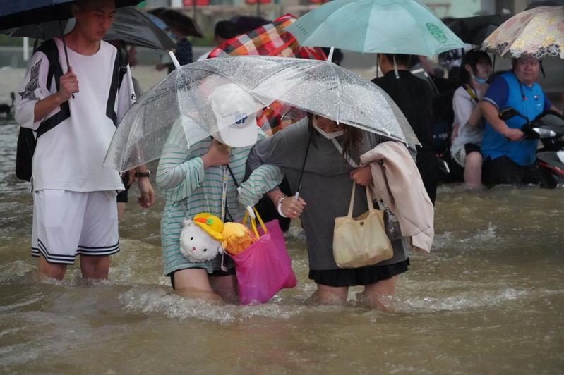 大陸河南鄭州發生嚴重水患,統府昨以新聞稿轉達蔡英文總統的慰問與關切。中新社