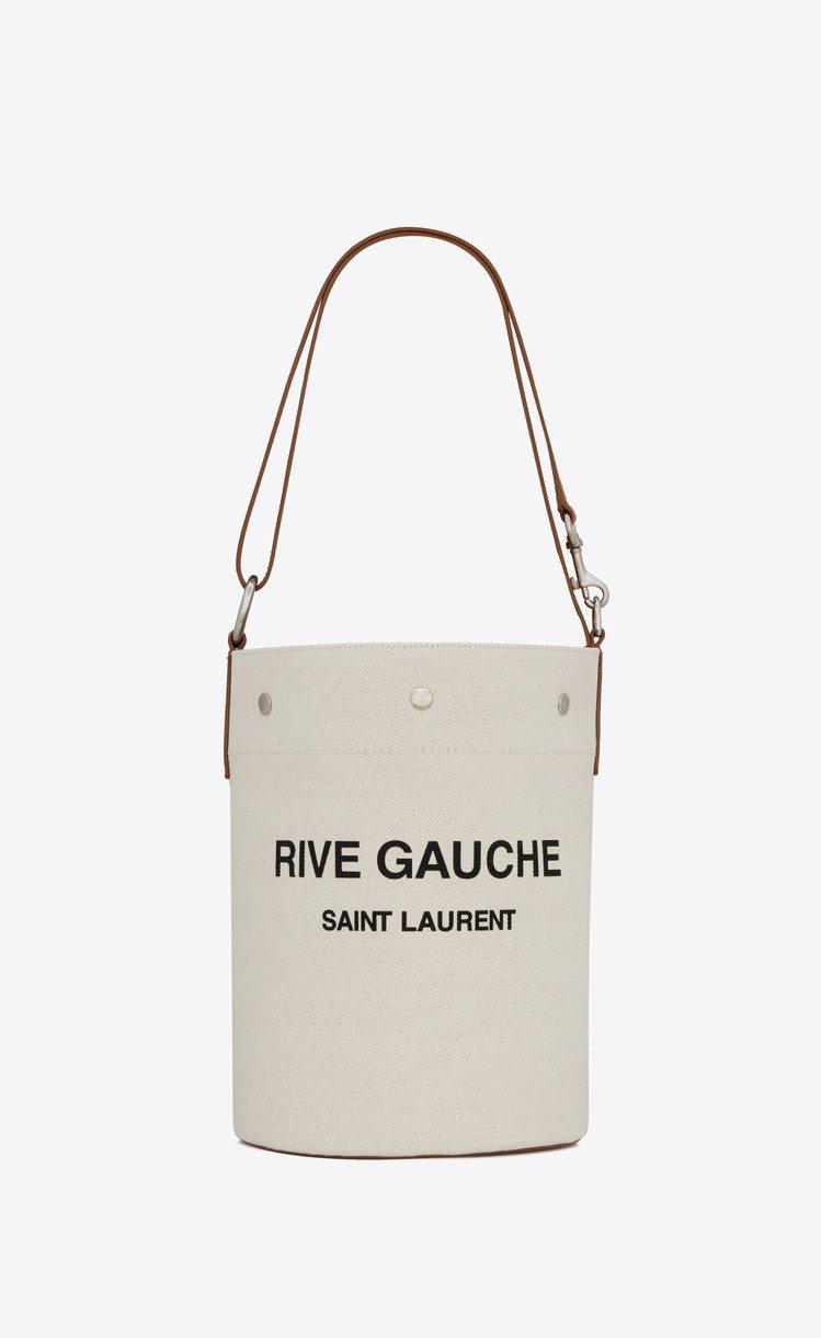 Rive Gauche帆布與焦糖褐色小牛皮水桶包,44,000元。圖/Saint...