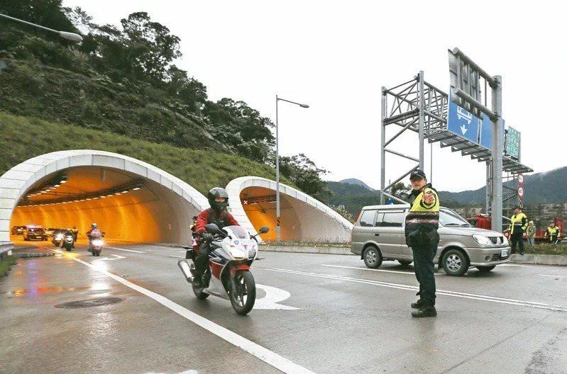 公路總局拍板9月30日起開放試辦重機通行蘇花改。聯合報系資料照