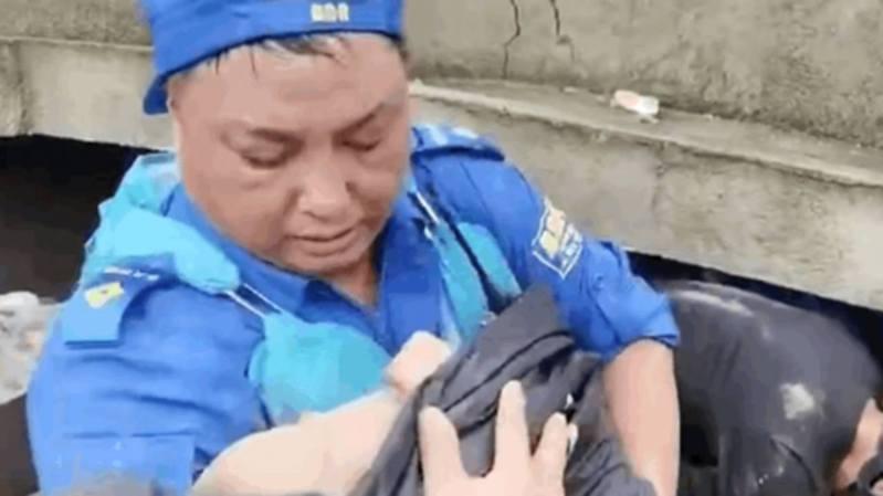 河南3個月大女嬰被困一天一夜後獲救。取自微博圖片