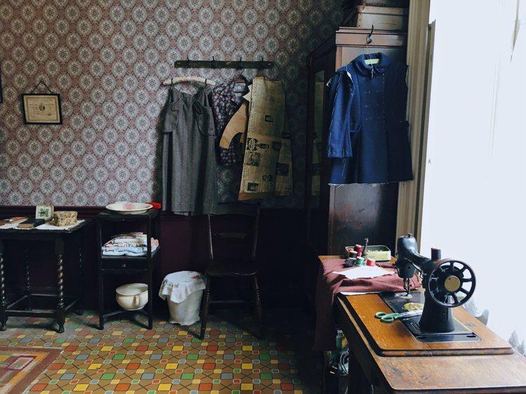 首度投稿即獲獎的柯典宏,使用初代iPhone SE拍下1720年代老公寓照片,房...