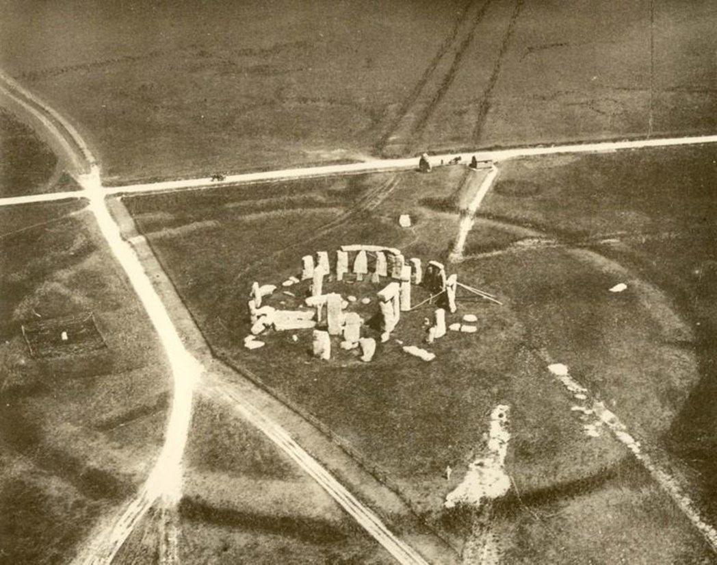 1906年,夏普中尉搭乘熱氣球所拍下的巨石陣遺址。 圖/<a href=