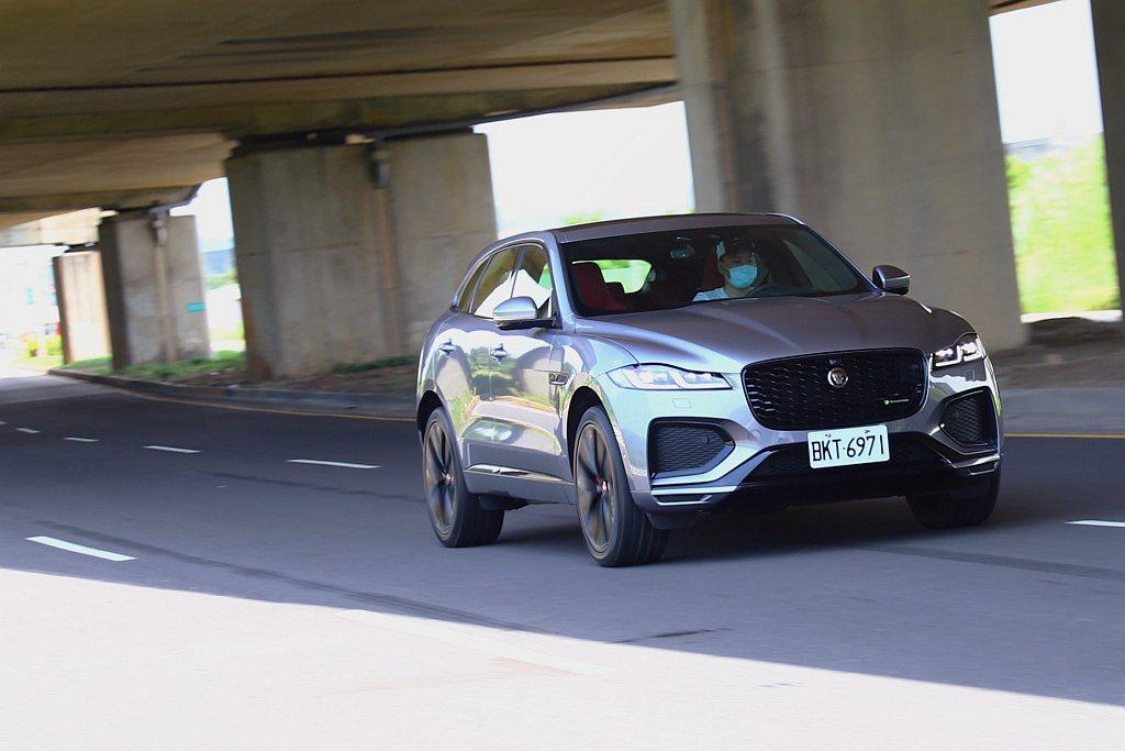 Jaguar F-Pace在2015年9月德國法蘭克福車展正式發表後,隔年就成為...