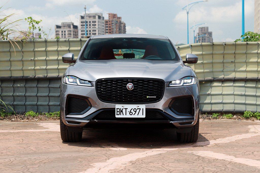 小改款Jaguar F-Pace外觀導入全新Double J造型LED頭燈、面積...