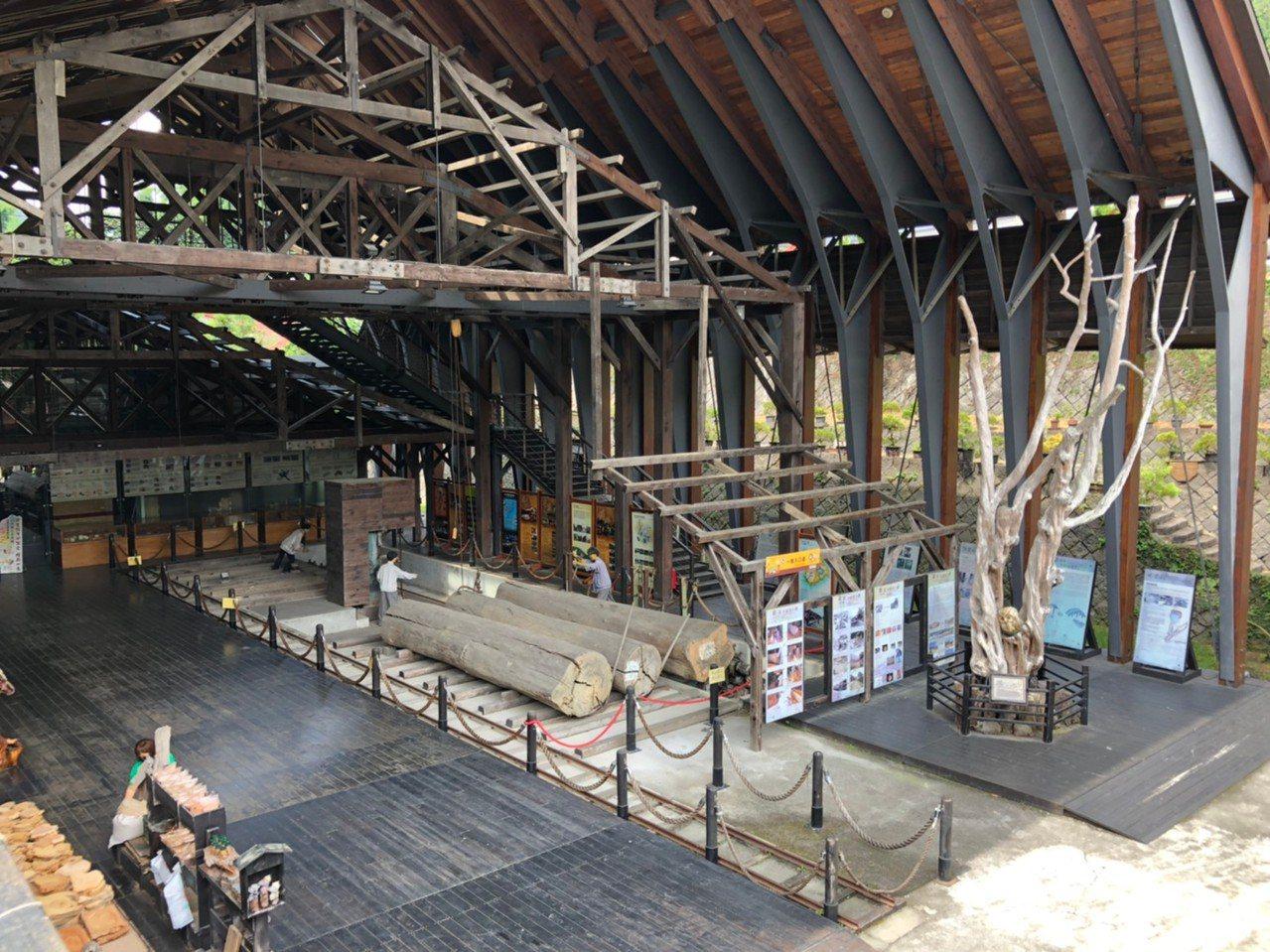 近百年歷史的集集支線,終點站「車埕」是國內木材業重鎮。 圖/黑中亮 攝影