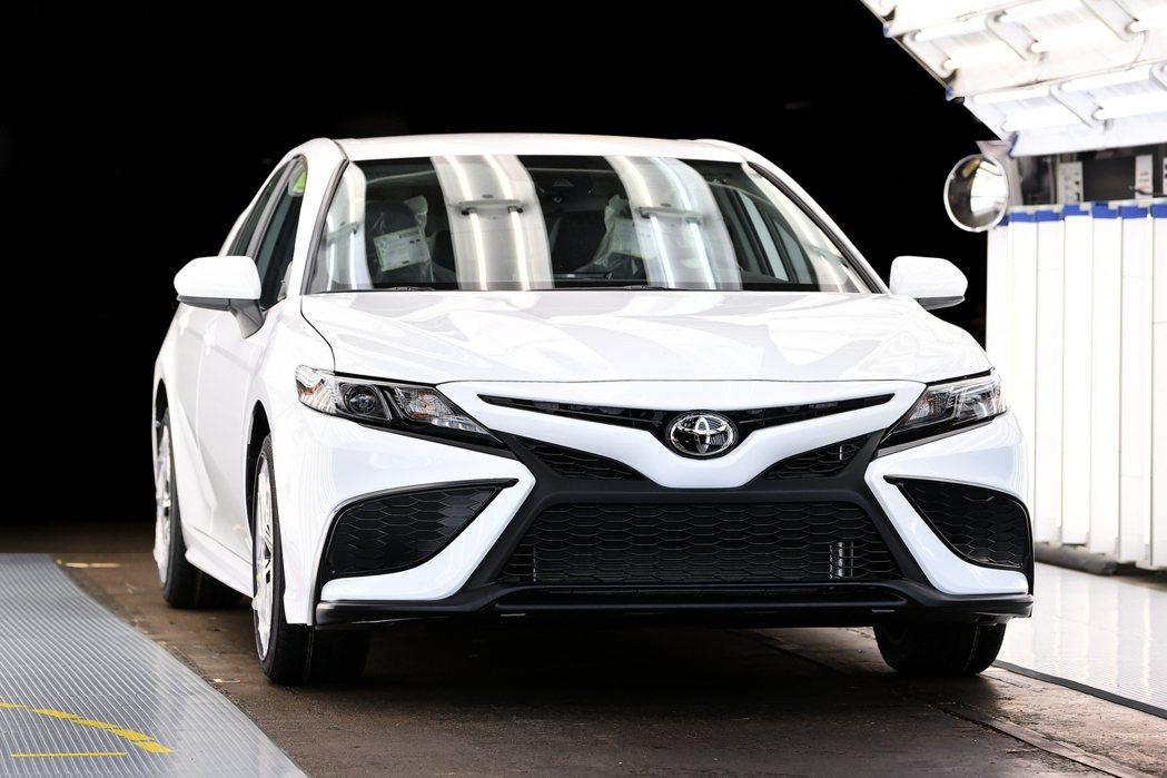 肯塔基廠的第1,000萬輛Camry是白色車身塗裝。 摘自Toyota