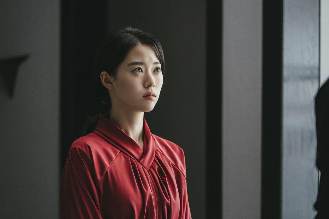 《我的上流世界》劇照,鄭伊瑞飾演金宥妍。圖/NETFLIX提供
