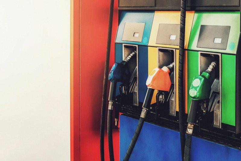 在加油站點火可能釀成嚴重爆炸。 示意圖/ingimage