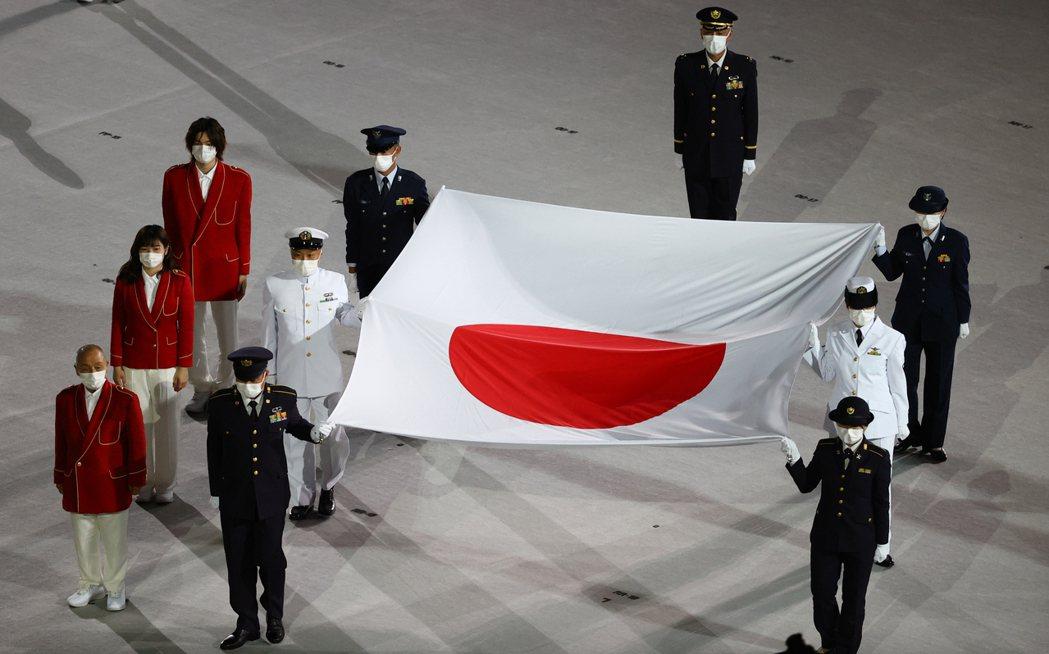 日本國旗進場。 路透