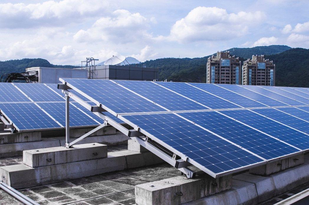 台灣大2021種福電全新模式,讓羅慧夫顱顏基金會可以透過富邦人壽內湖「漢諾威」頂...