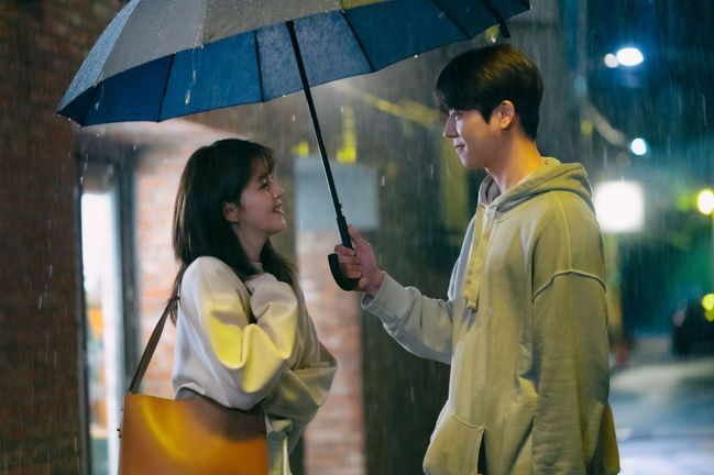 韓劇《無法抗拒的他》。圖片來源/Netflix