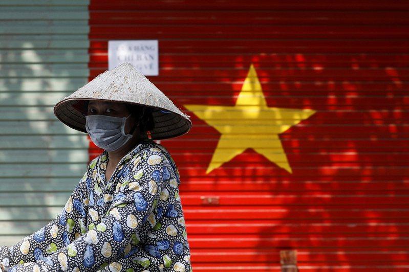 確診新冠肺炎的52歲陳姓台商今(23日)在越南病逝,駐胡志明市辦事處已與死者在台家屬聯繫,這是目前已知個案中,首名在越南染疫死亡的台灣人。歐新社