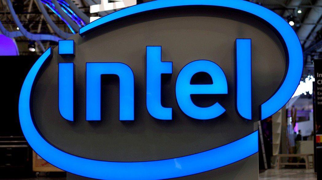 英特爾(Intel)22日公布財報,上季銷售與獲利優於預期。  路透