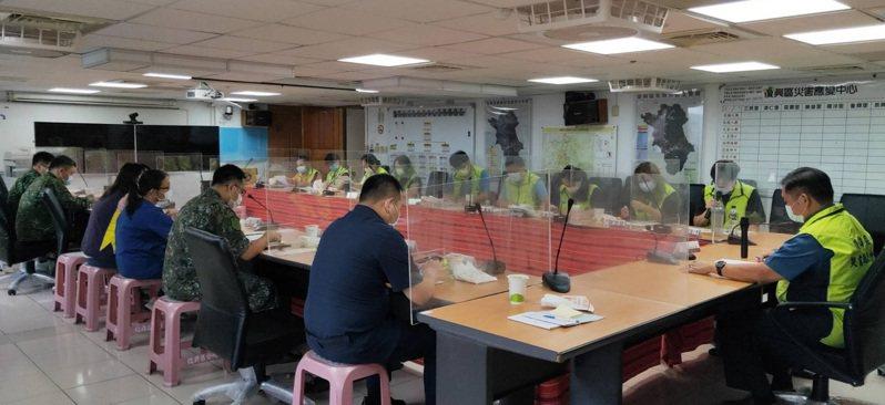 復興區公所成立災害應變中心,宣布下午3點起停班停課。圖/復興區公所提供
