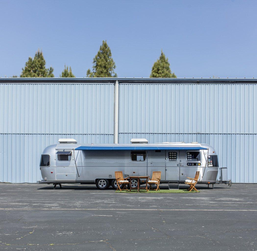 湯姆漢克斯的豪華訂製拖車將於8月登上拍賣,估價15萬美元起。圖/邦瀚斯提供