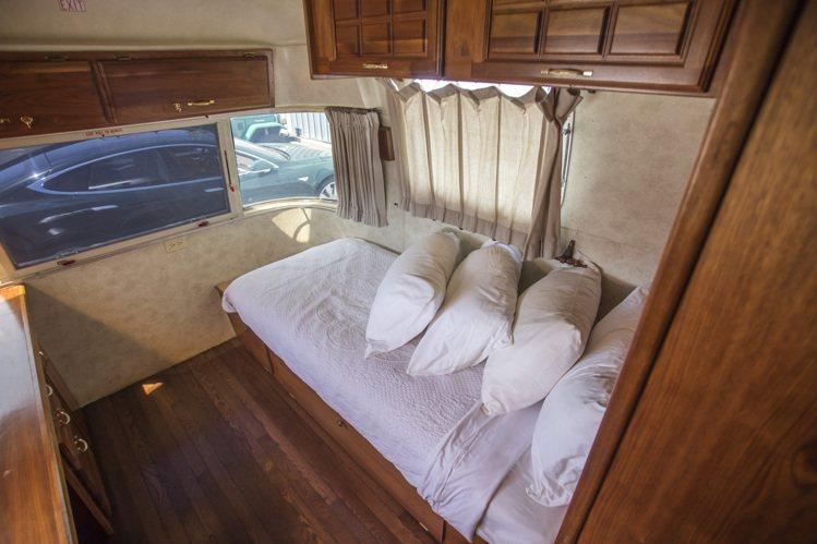湯姆漢克斯的豪華訂製拖車臥室。圖/邦瀚斯提供