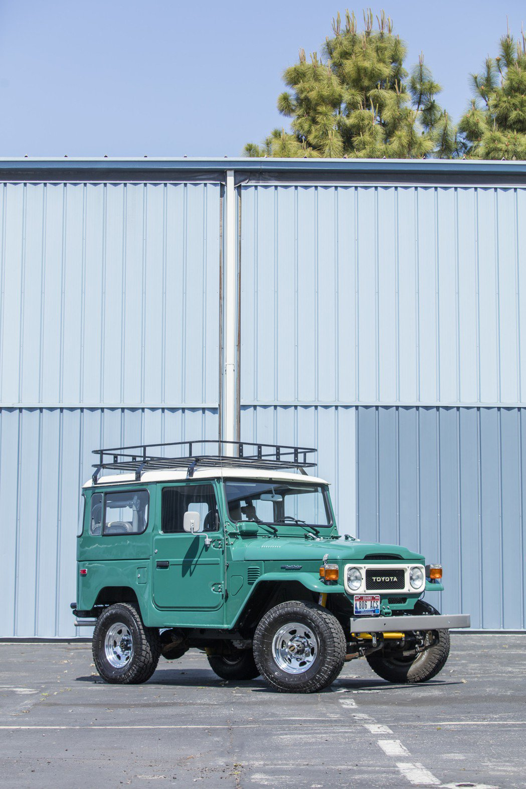 湯姆漢克斯將拍賣的訂製款1980 Toyota FJ40. Land Cruis...