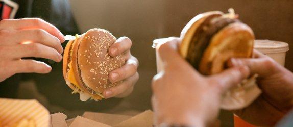 麥當勞將自8/3起開放內用。圖/摘自麥當勞官網