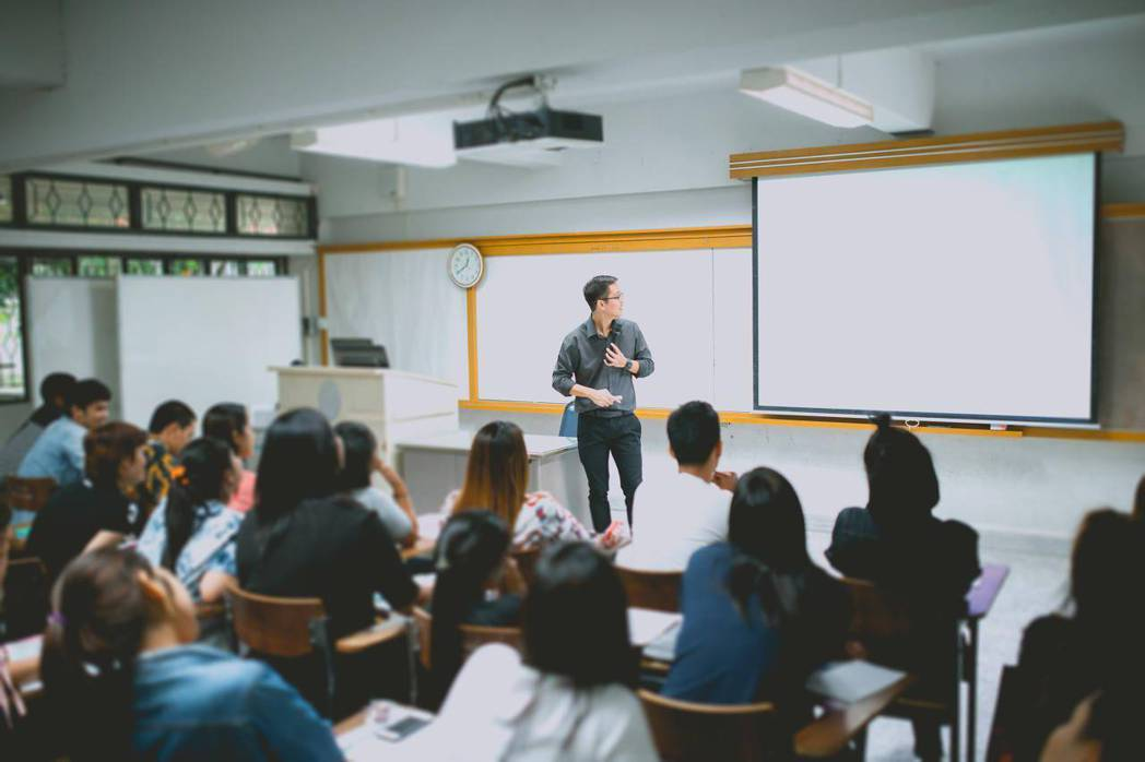 大陸針對教育培訓行業監管的「雙減」文件已正式落地。(圖/取自搜狐)
