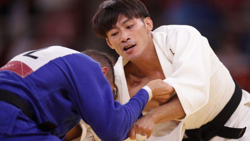 楊勇緯(左)。 路透