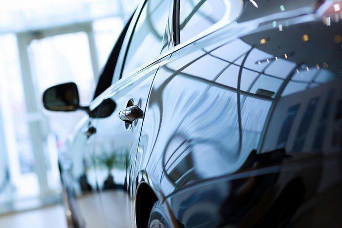 不少人在有一定的存款後,會選擇買一台車來通勤,或是假日時可以出遠門旅遊。 圖/ingimage