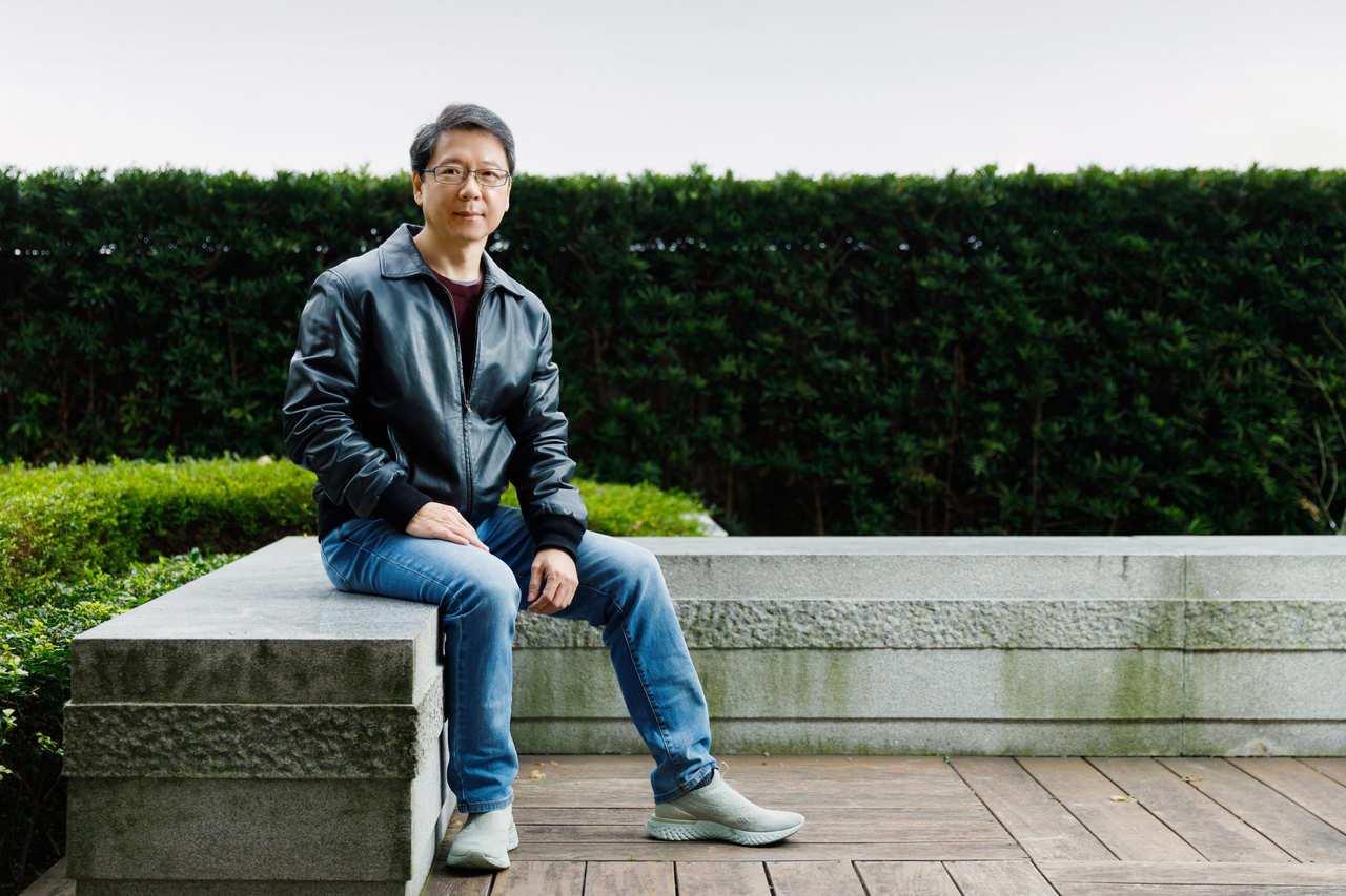 阮慕驊建議學生出社會就要學理財,30歲開始準備退休金,趁早開始,較能以穩健方式累...