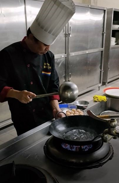 元培餐管系鄭富貴老師獲得2021比利時觀光美食節線上國際大賽餐廳料理展示金牌。 ...