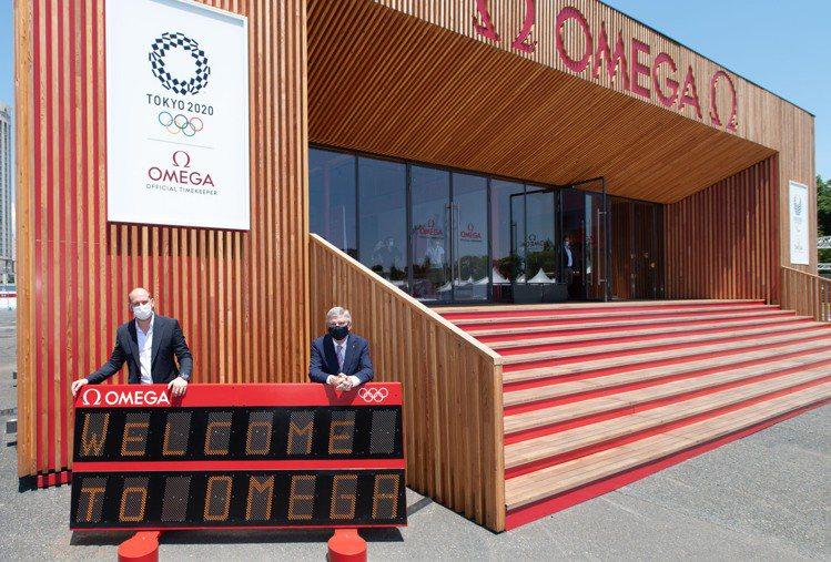 國際奧委會主席Thomas Bach與歐米茄計時執行長Alain Zobrist...