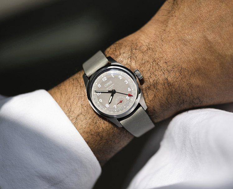 Oris的Hölstein 2021限量腕表,Hölstein是品牌表廠所在地...